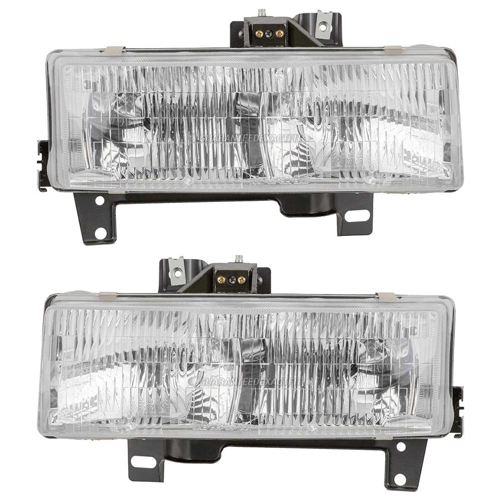 2005 Chevrolet Express 1500 Passenger Transmission: Chevrolet Express Van Headlight Assembly Pair