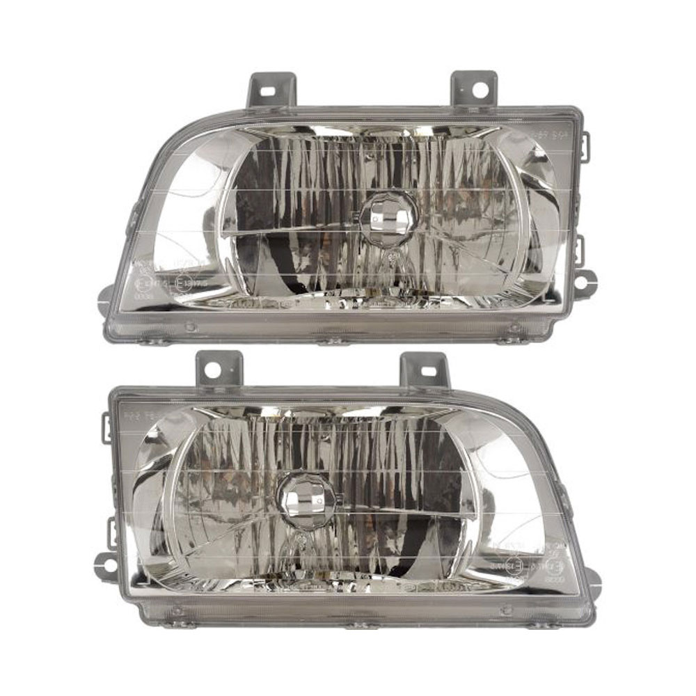 Kia Sportage Headlight Assembly Pair