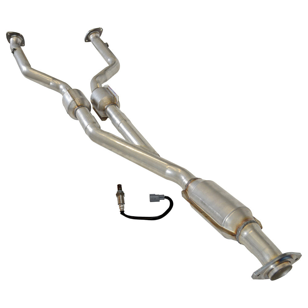 O2 Sensor In Catalytic Converter: 2008 Lexus IS250 Catalytic Converter EPA Approved And O2
